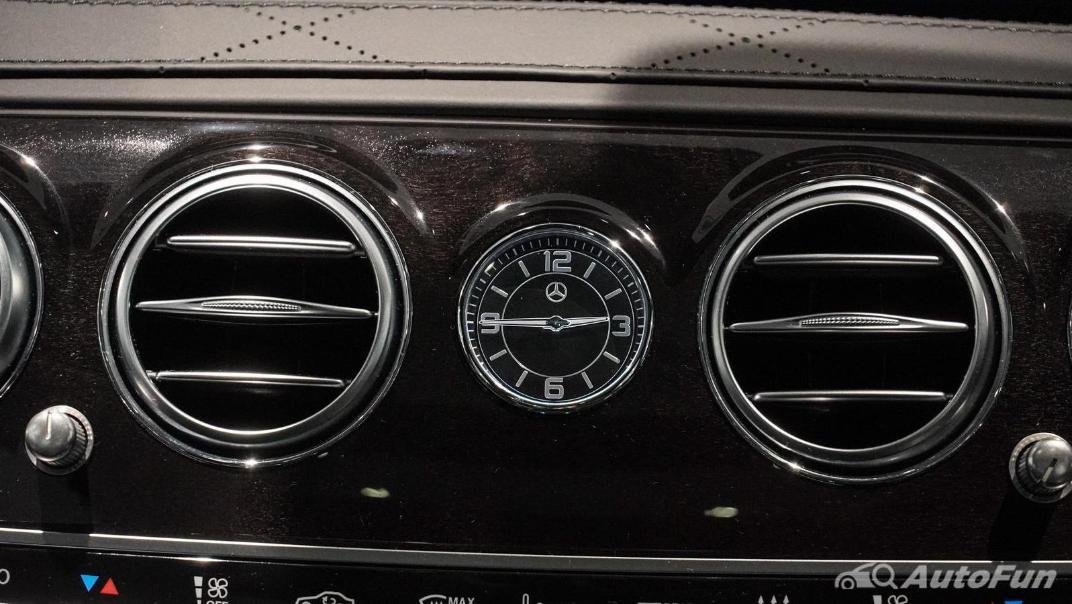 Mercedes-Benz S-Class S 560 e AMG Premium Interior 022