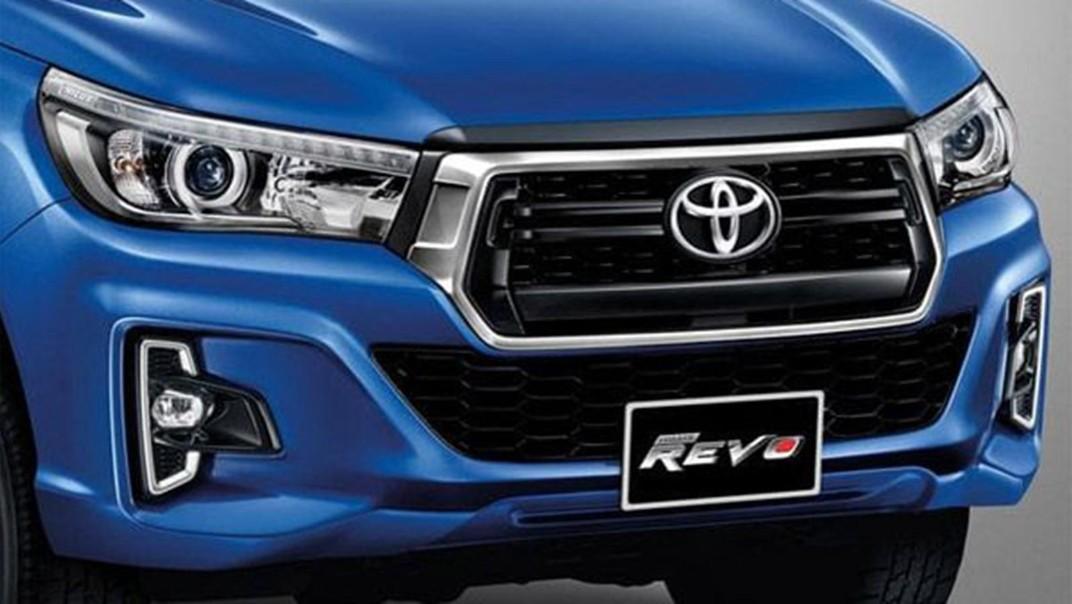 Toyota Hilux Revo Double Cab Public 2020 Exterior 005