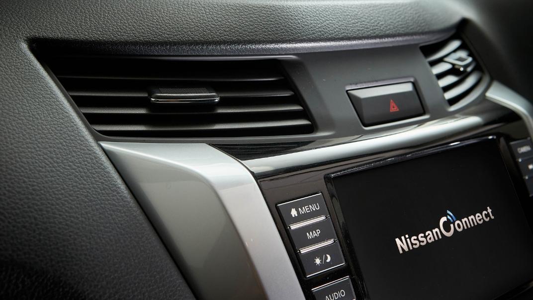 2021 Nissan Navara Double Cab 2.3 4WD VL 7AT Interior 069