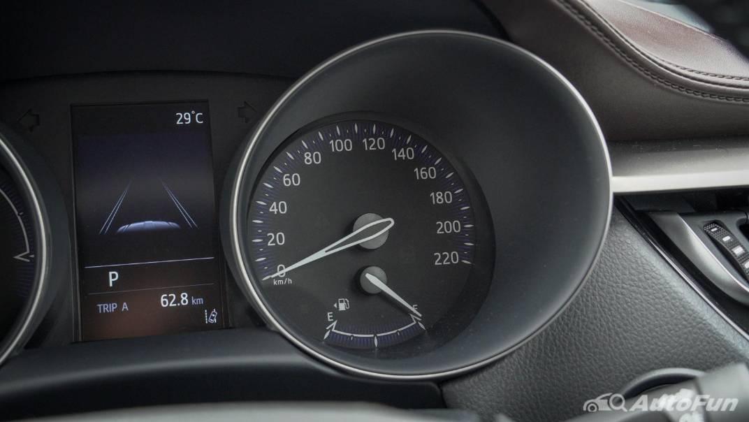 2021 Toyota C-HR Hybrid Premium Safety Interior 020