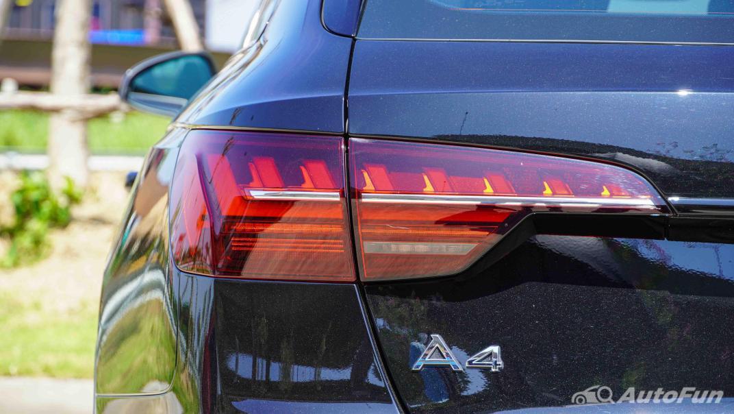 2020 Audi A4 Avant 2.0 45 TFSI Quattro S Line Black Edition Exterior 018