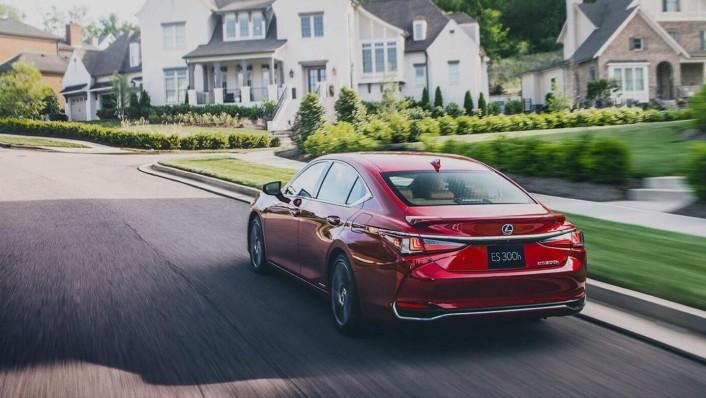 Lexus ES 2020 Exterior 003