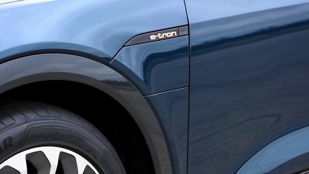 Audi E Tron 2020 Exterior 016