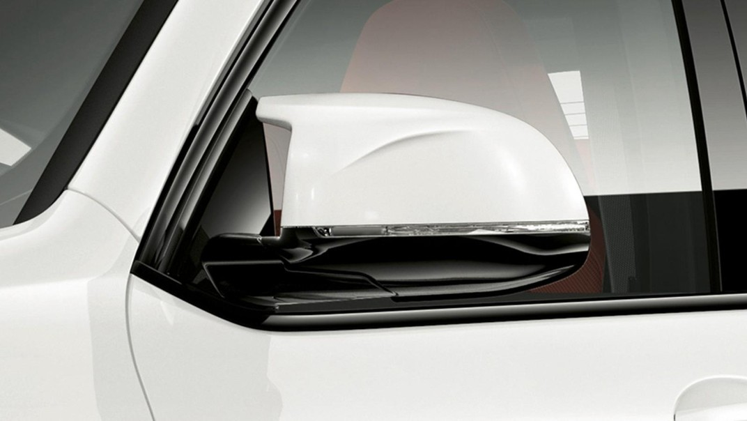 BMW X4-M Public 2020 Exterior 003