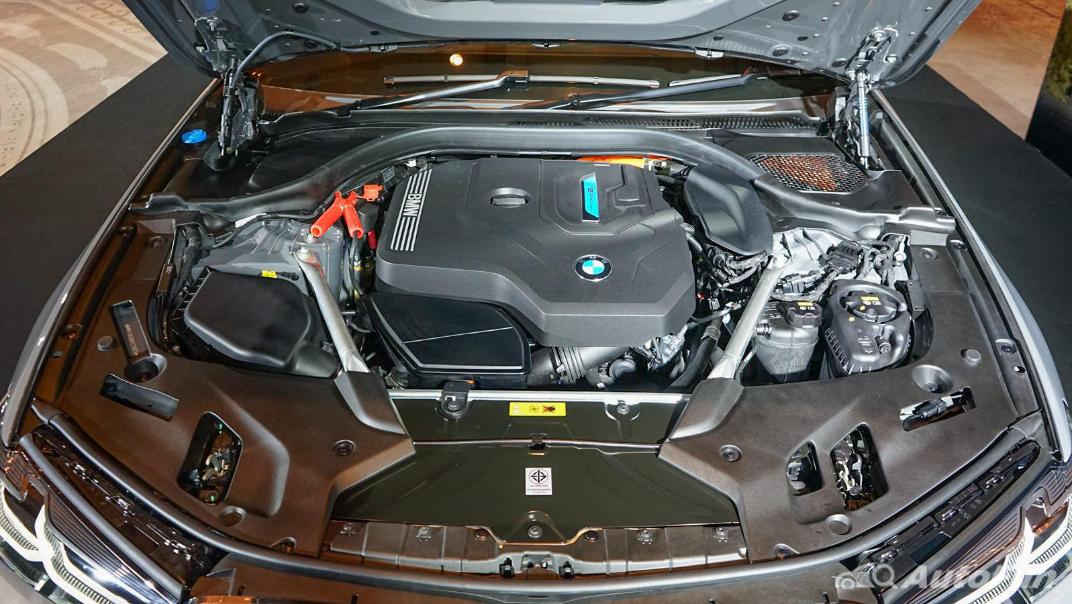 2021 BMW 5 Series Sedan 530e M Sport Others 001