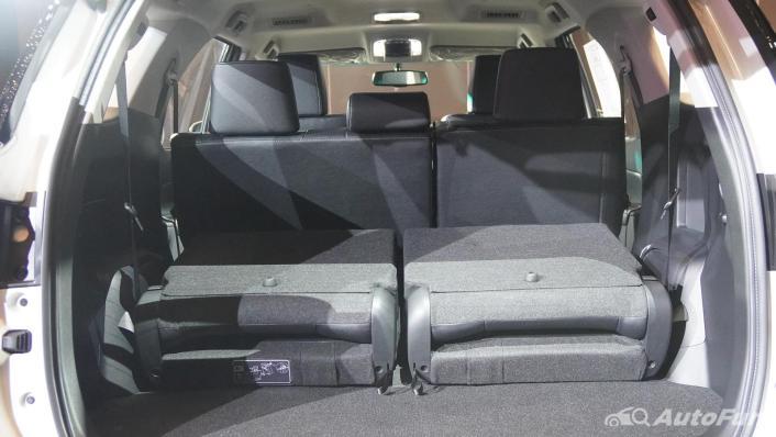2021 Toyota Fortuner Interior 007