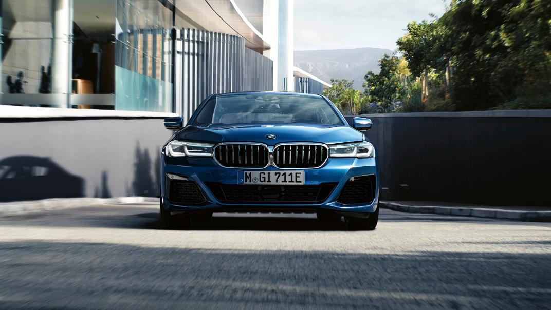 2021 BMW 5 Series Sedan 530e Elite Exterior 001