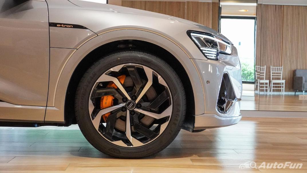 2020 Audi E Tron Sportback 55 quattro S line Exterior 018