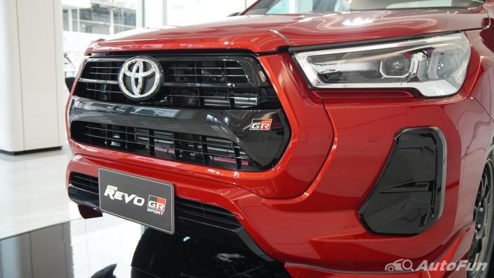 2021 Toyota Hilux Revo Double Cab 4x2 2.8 GR Sport AT Exterior 001