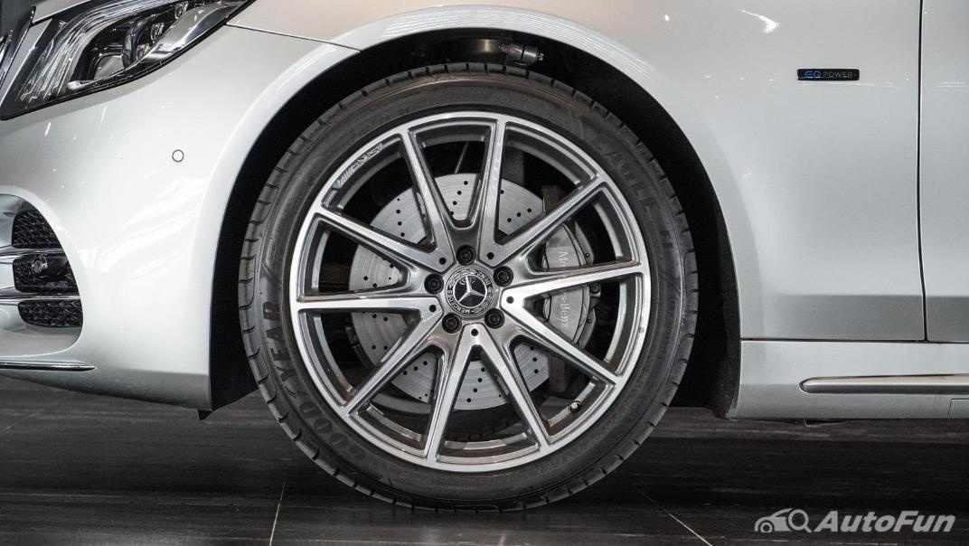 Mercedes-Benz S-Class S 560 e AMG Premium Exterior 034