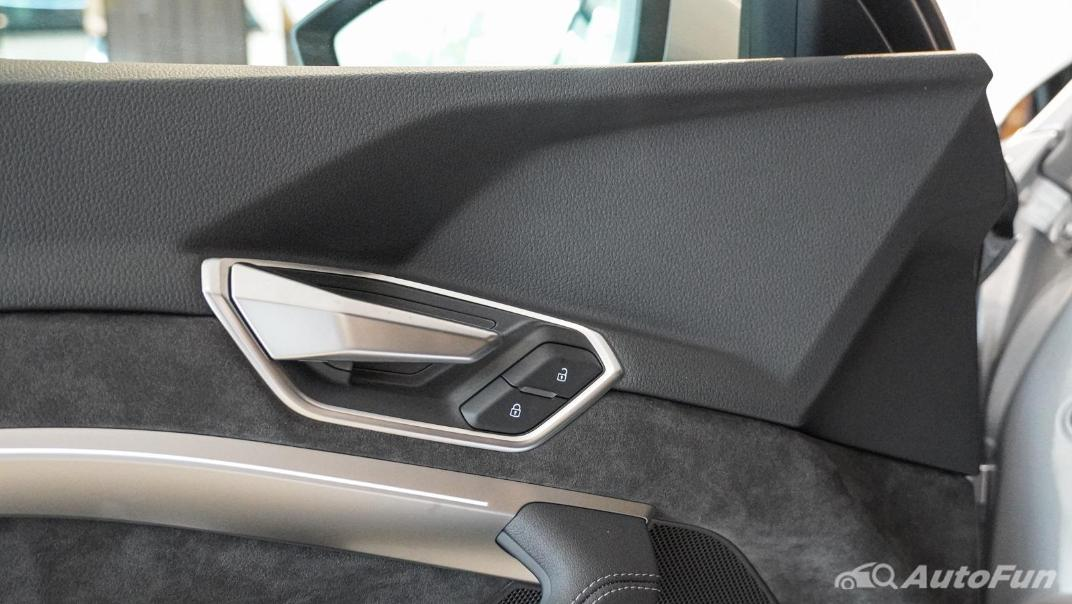 2020 Audi E Tron Sportback 55 quattro S line Interior 122