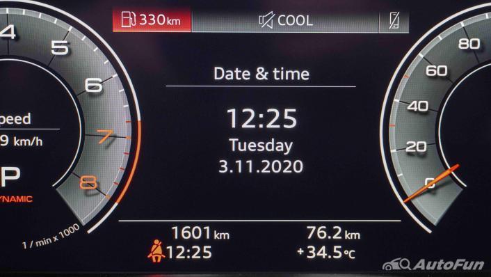 2020 Audi A4 Avant 2.0 45 TFSI Quattro S Line Black Edition Interior 009