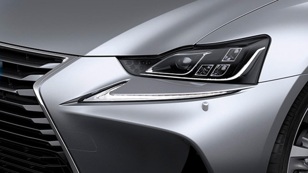 Lexus IS 2020 Exterior 012