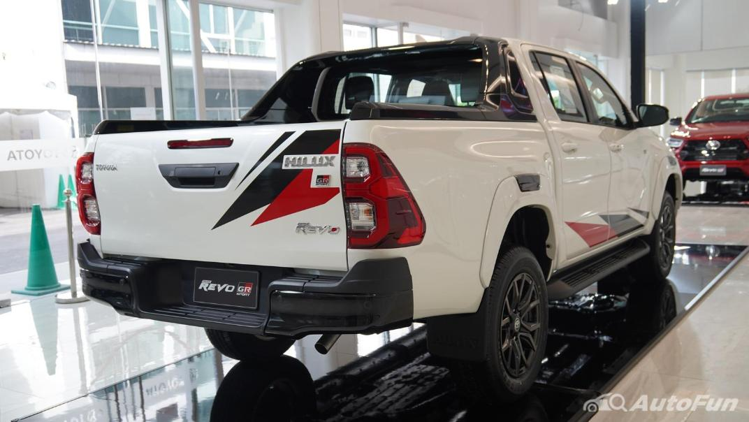 2021 Toyota Hilux Revo Double Cab 4x4 2.8 GR Sport AT Exterior 002
