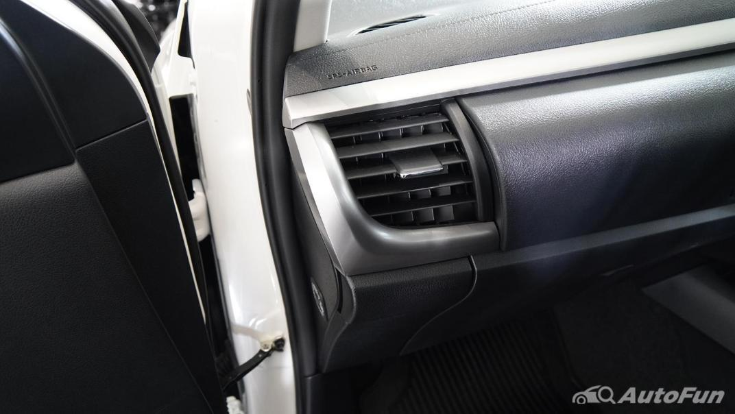 2021 Toyota Hilux Revo Double Cab Z Edition Interior 010