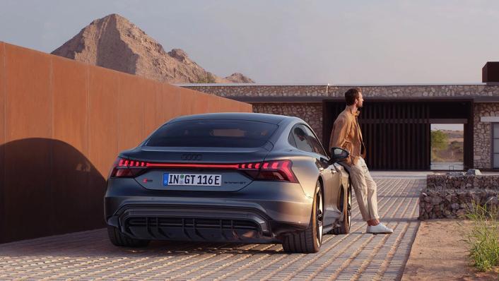 2021 Audi RS e-tron GT quattro Exterior 005