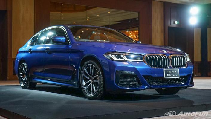 2021 BMW 5 Series Sedan 520d M Sport Exterior 003