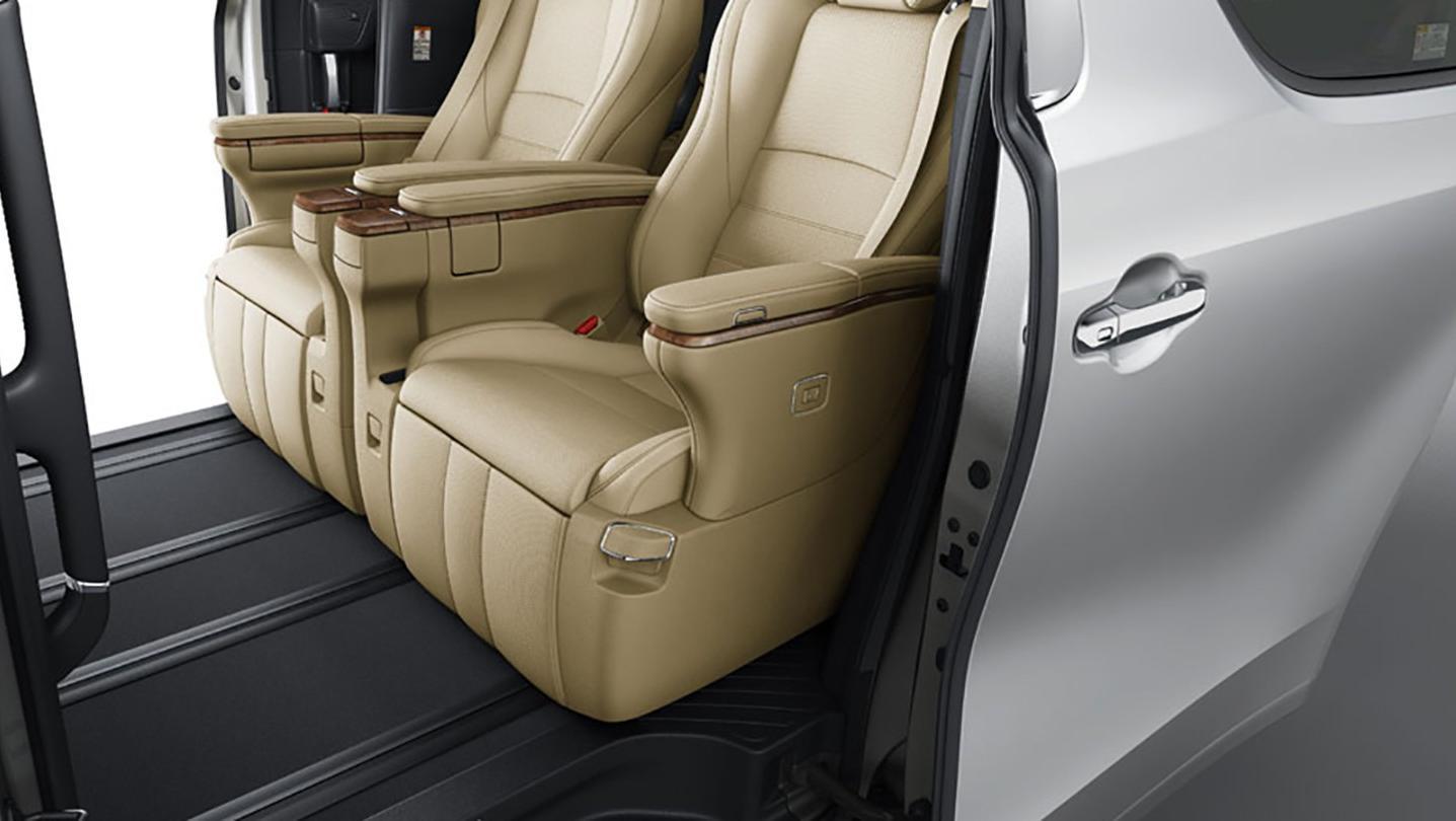 Toyota Alphard 2020 Interior 013