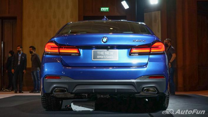 2021 BMW 5 Series Sedan 520d M Sport Exterior 005