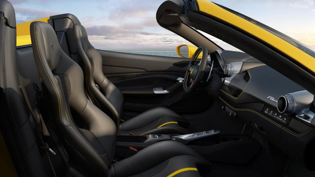 2020 3.9 F8 Spider V8 Turbo Interior 001