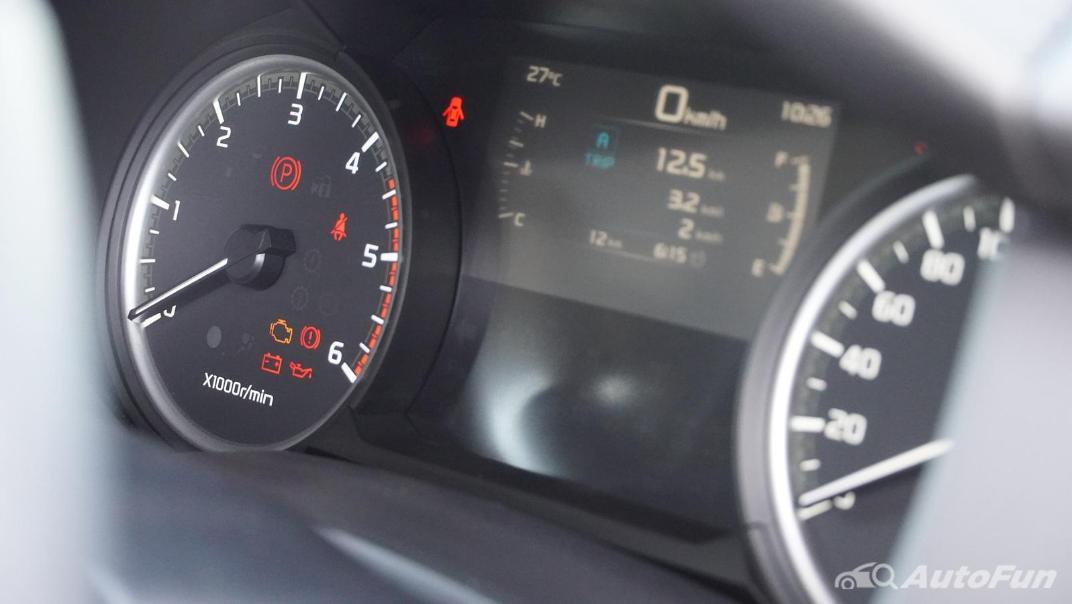 Mazda BT-50 Pro 2021 Interior 007