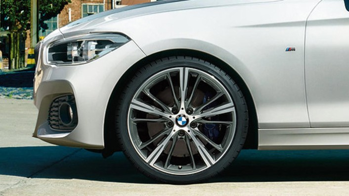 BMW 1-Series-5-Door 2020 Exterior 008