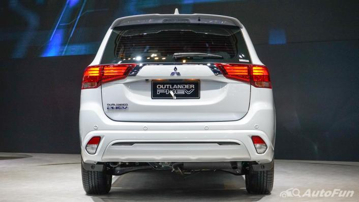 2021 Mitsubishi Outlander PHEV GT Exterior 005