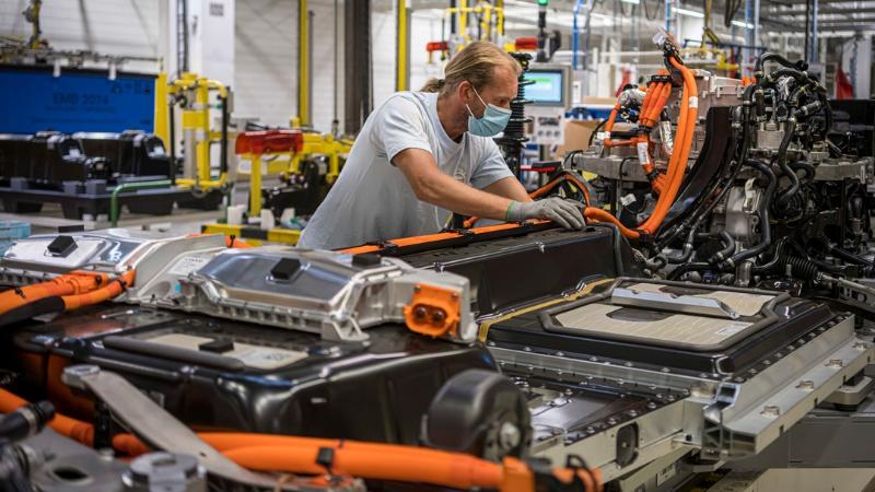 Volvo เตรียมเพิ่มผลิตรถไฟฟ้า 3 เท่าที่โรงงานเกนท์ หลังลูกค้าตอบรับพุ่งทั่วโลก 02