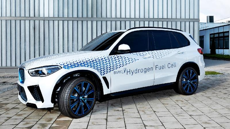 เผยภาพล่าสุดของ BMW X5 พลังไฮโดรเจนขับไฟฟ้า แต่ไม่เสียบปลั๊ก ดีทุกอย่าง ยกเว้นราคาเชื้อเพลิง 02