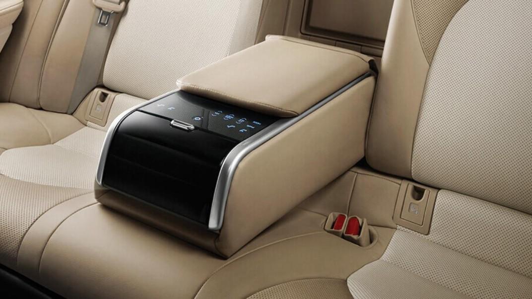 Toyota Camry Public 2020 Interior 009