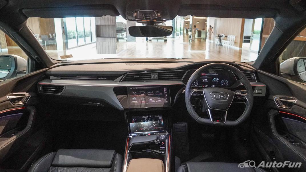 2020 Audi E Tron Sportback 55 quattro S line Interior 091
