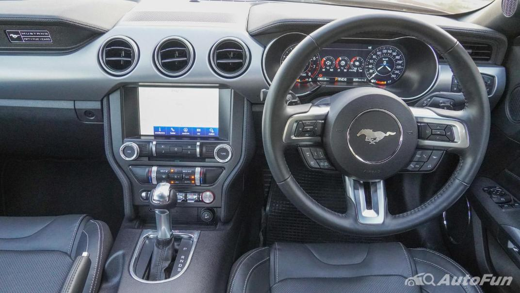 2020 Ford Mustang 2.3L EcoBoost Interior 003