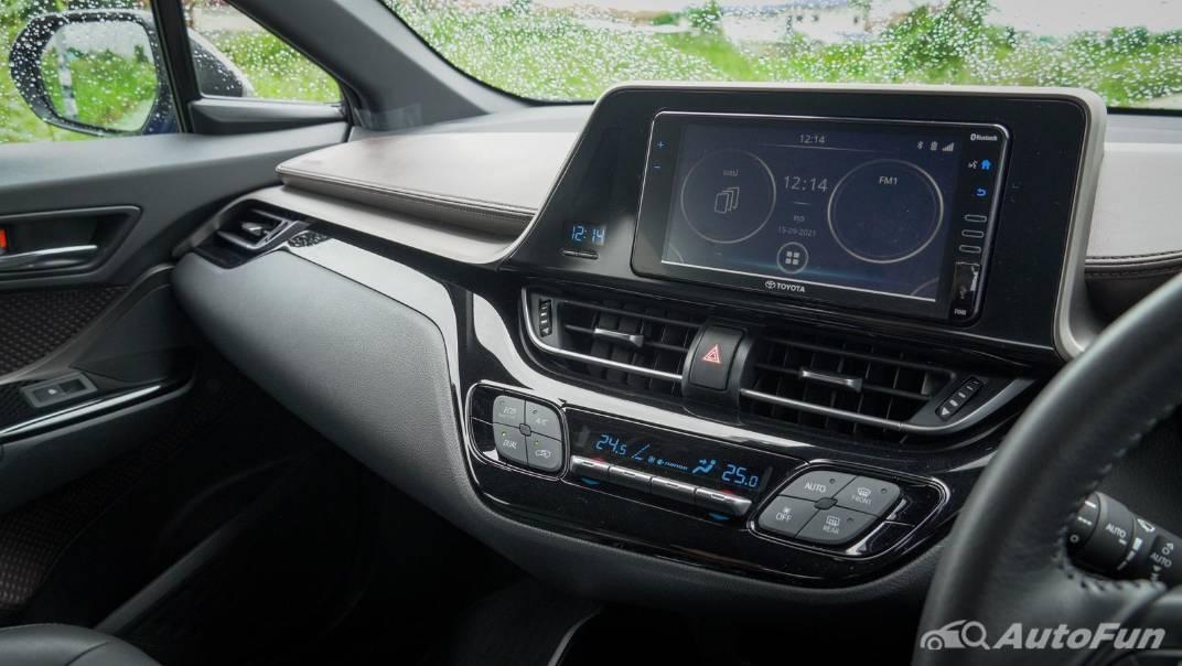 2021 Toyota C-HR Hybrid Premium Safety Interior 029
