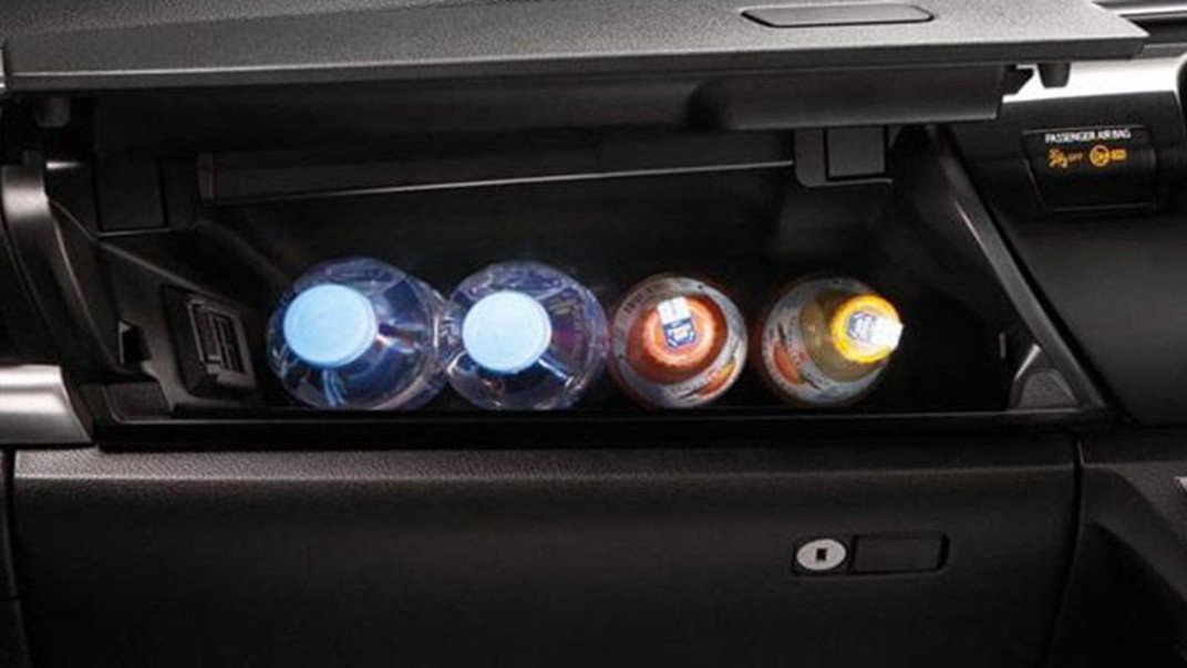 Toyota Hilux Revo Double Cab Public 2020 Interior 002