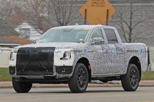 ทำไมรถกระบะ 2023 Ford Ranger รุ่นใหม่จะมาพร้อมขุมพลังปลั๊กอินไฮบริด?