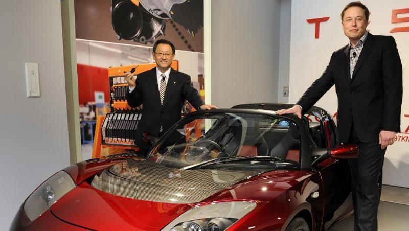 Toyota และ Tesla รถที่สาวกยกพวกตีกัน แต่ผู้บริหารจับมือดีกัน ย้อนความสัมพันธ์ 10 ปีก่อน 02
