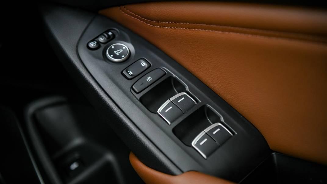 2021 Honda Accord 2.0L e:HEV EL+ Interior 045