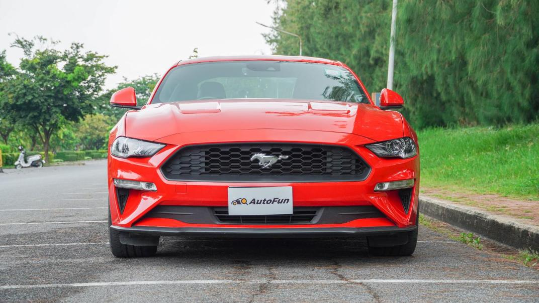 2020 Ford Mustang 2.3L EcoBoost Exterior 046