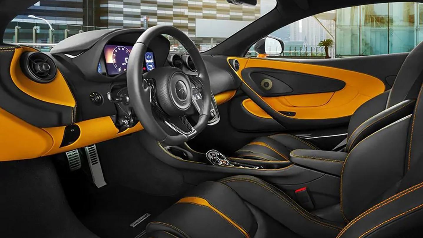 McLaren 540C 2020 Interior 004