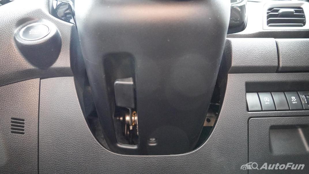 2020 Isuzu D-Max V-Cross 3.0 Ddi M AT 4-Door Interior 010