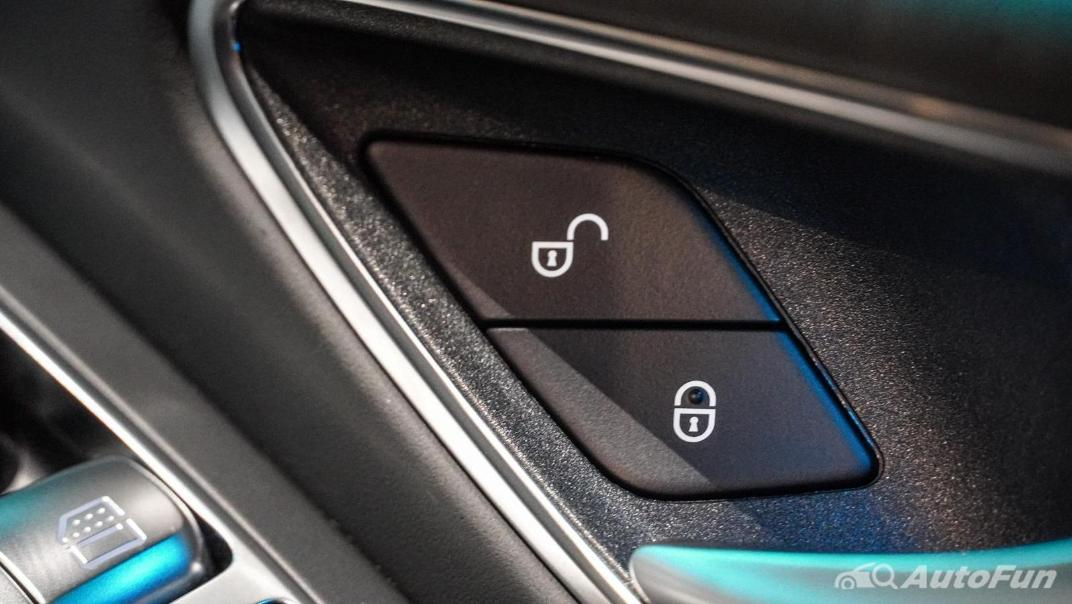 Mercedes-Benz S-Class S 560 e AMG Premium Interior 043