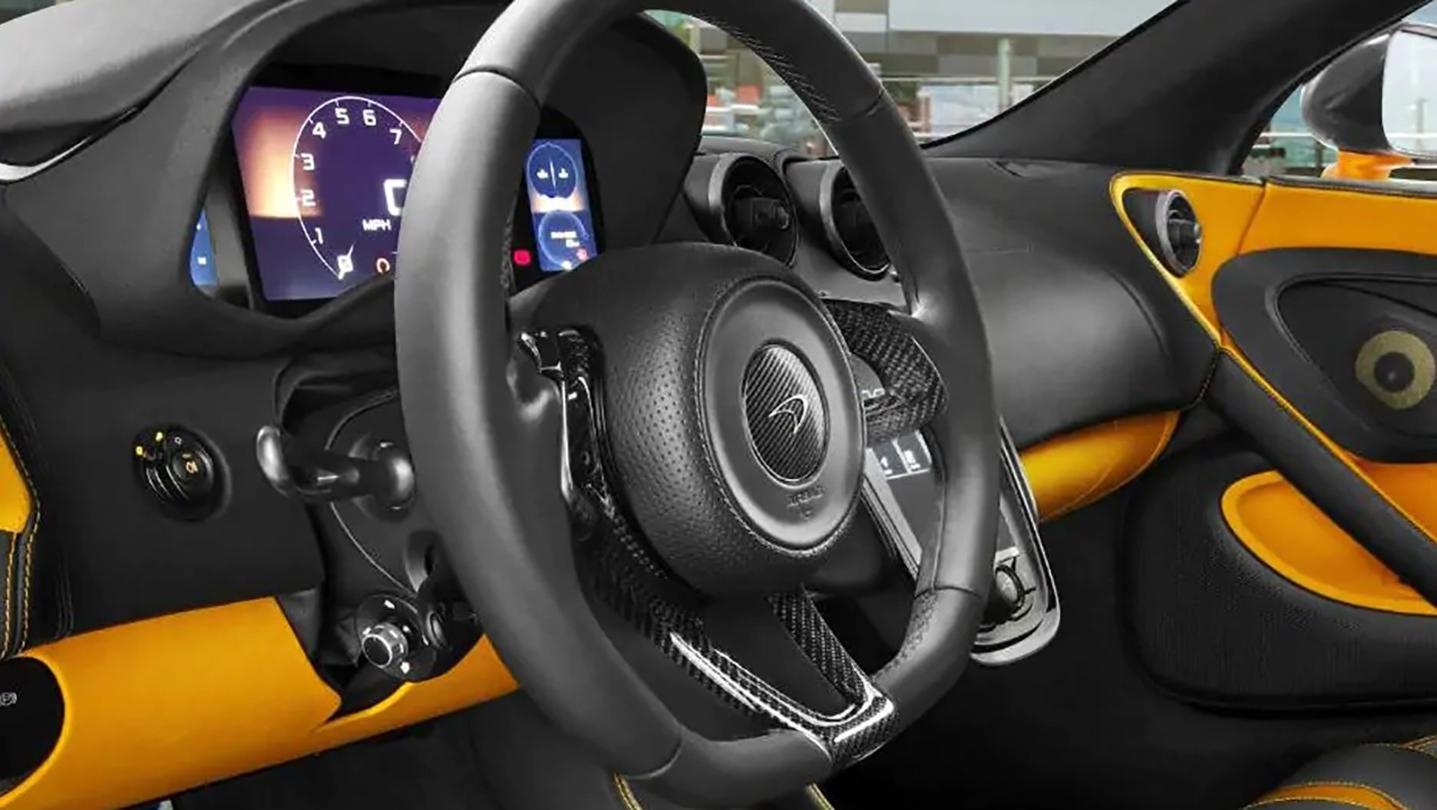 McLaren 540C 2020 Interior 005