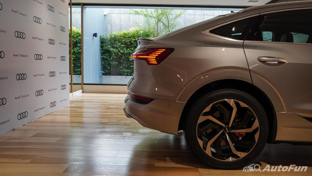 2020 Audi E Tron Sportback 55 quattro S line Exterior 040