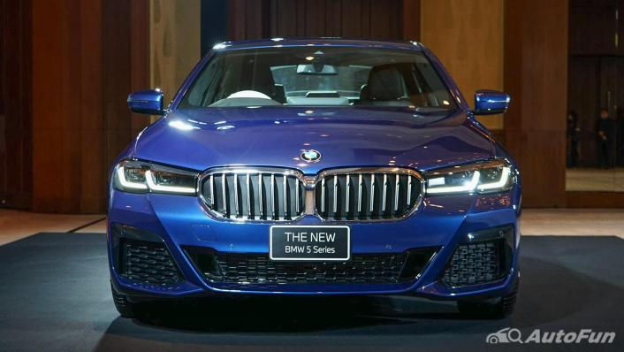 2021 BMW 5 Series Sedan 520d M Sport Exterior 002