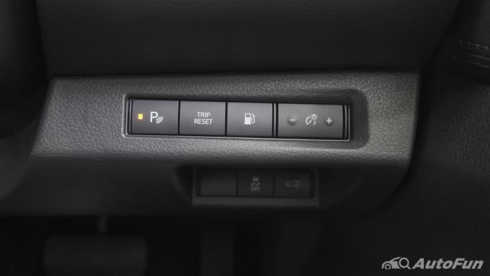 2021 Nissan Terra 2.3 VL 4WD Interior 010