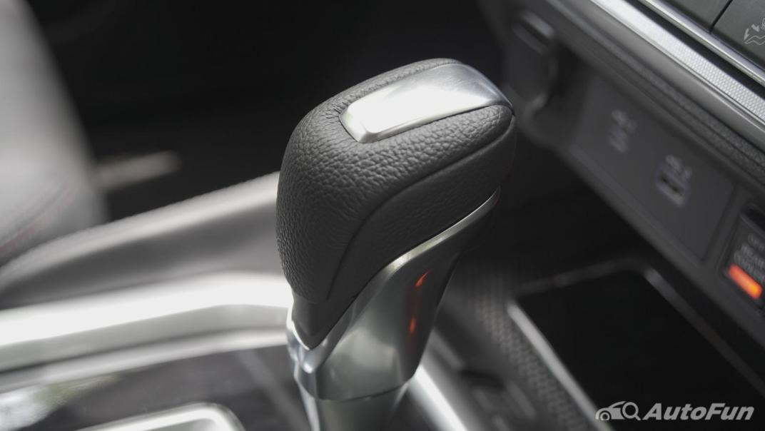 2021 Nissan Terra 2.3 VL 4WD Interior 022