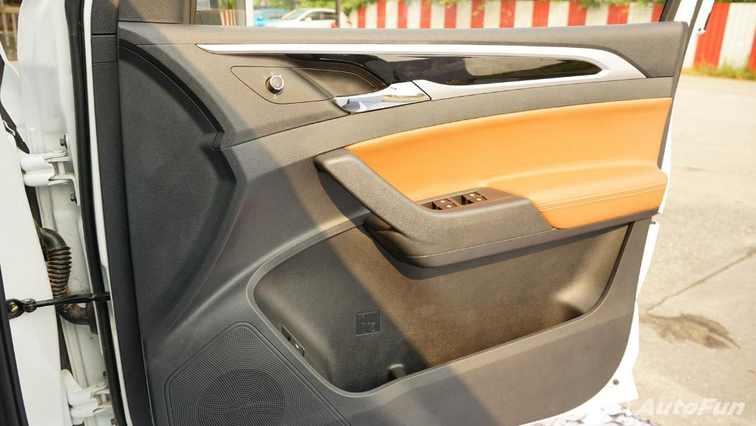 2021 MG Extender Interior 019