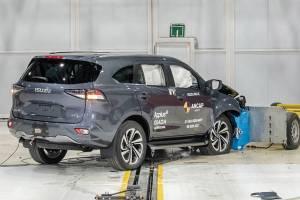 2021 Isuzu MU-X คว้า 5 ดาวความปลอดภัย มีทั้งดีและด้อยกว่าเมื่อเทียบ Toyota Fortuner