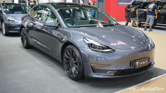 2021 Tesla Model 3 Performance Exterior 002