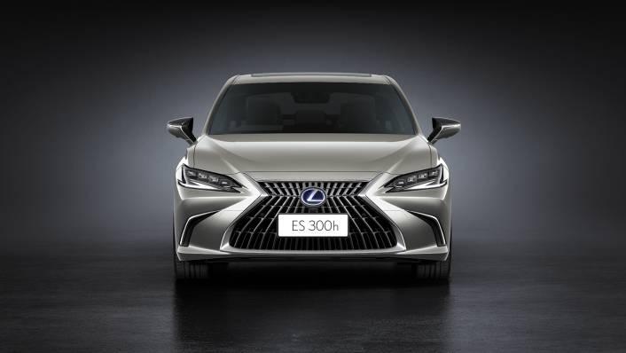 2021 Lexus ES 300h Premium Exterior 001